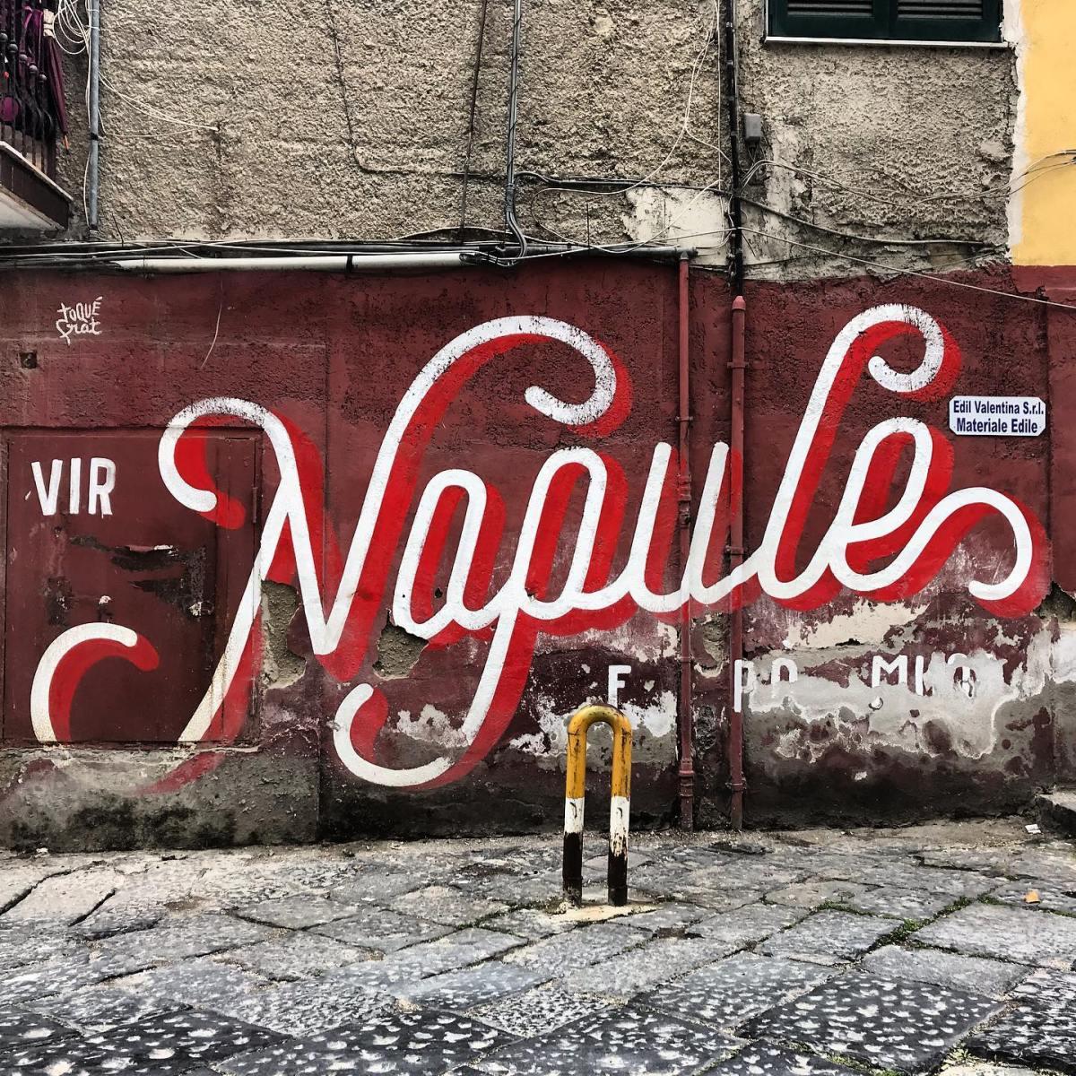 """""""Vedi Napoli e poimuori"""""""